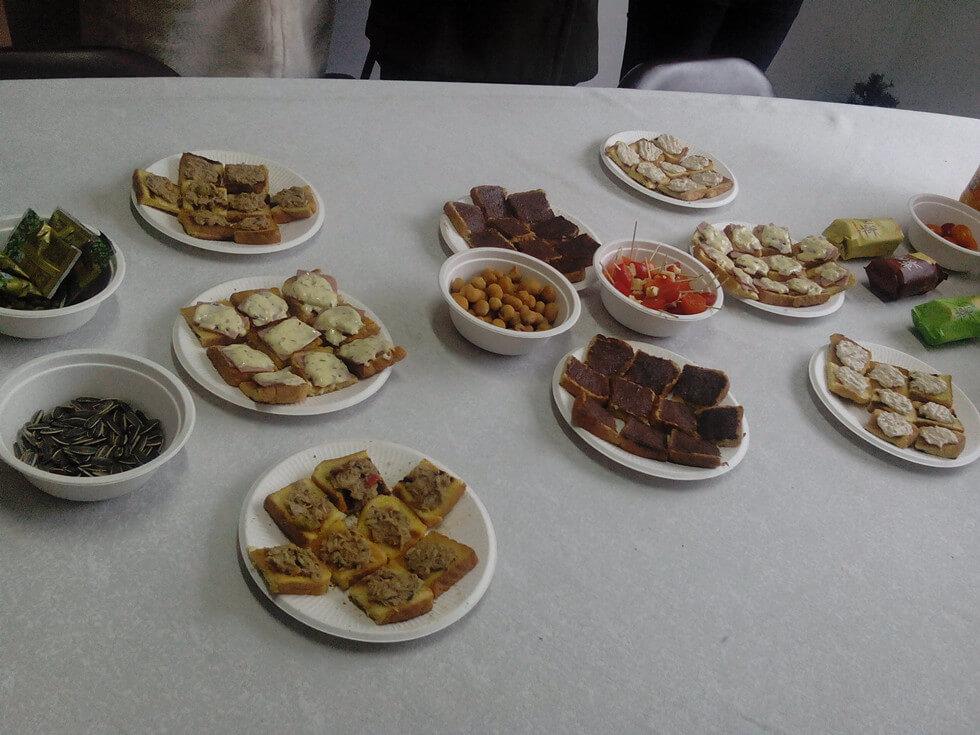 Sunchine Held a Tea Party (1)