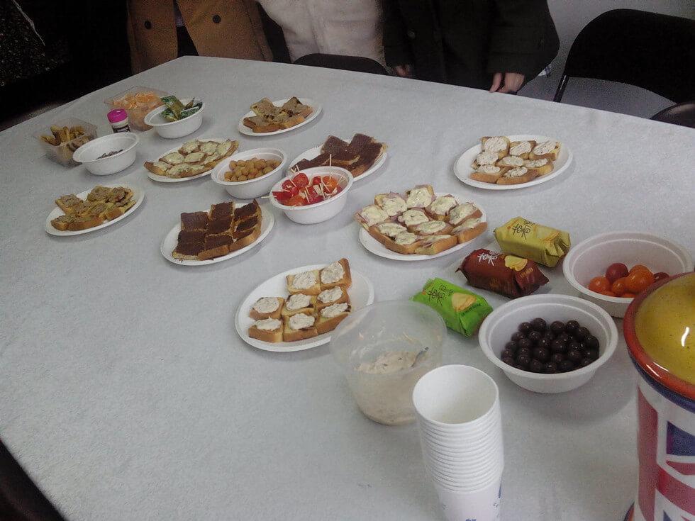 Sunchine Held a Tea Party (2)
