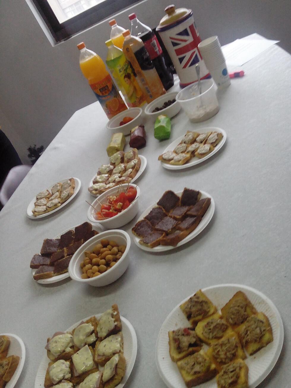 Sunchine Held a Tea Party (3)